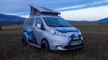 Nissan e-NV200 Winter Camper concept - field