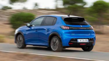 Peugeot e-208 - rear action
