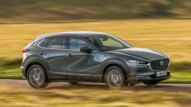 Mazda CX-30 - side tracking