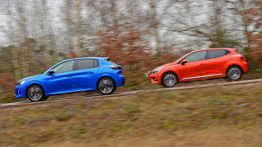 Peugeot 208 vs Renault Clio - side