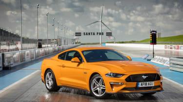 Ford Mustang V8 - front drag strip