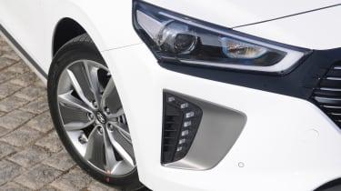 Hyundai Ioniq Plug-in hybrid - front detail
