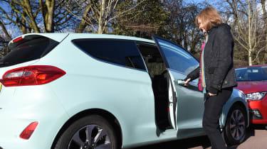 Ford Fiesta vs SEAT Ibiza - door