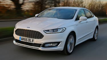 Ford Mondeo Vignale - front action