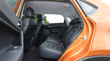 MG GS SUV 2016 - rear seats