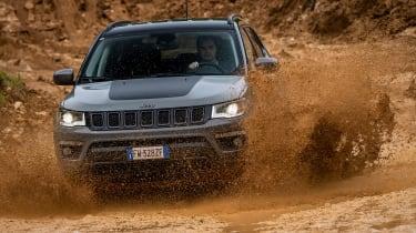 Jeep Compass Trailhawk - off-road splash
