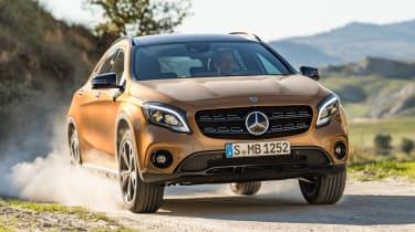 Mercedes GLA 2017 - off road front