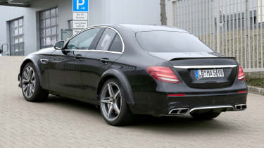 Mercedes SL spied - rear tracking
