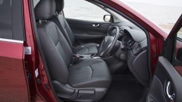 Nissan Pulsar 1.5 dCi Tekna front seats