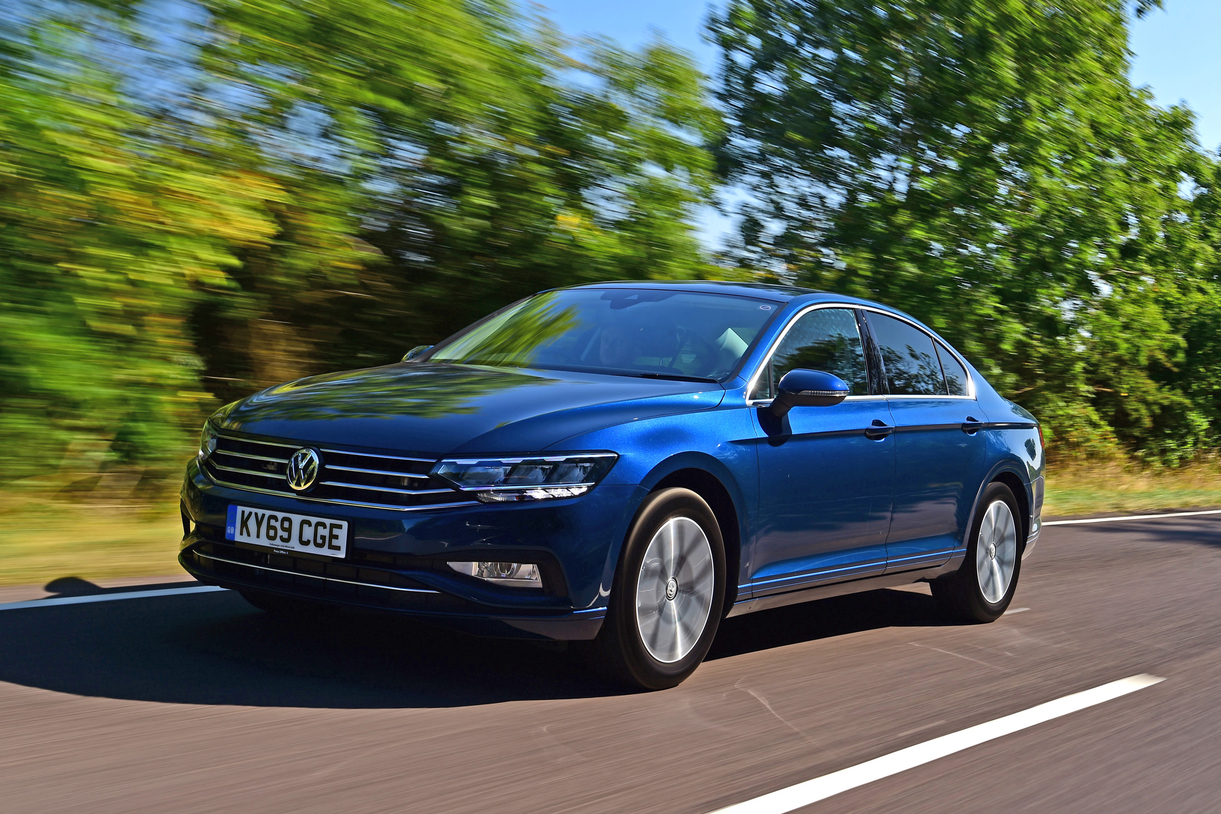 Volkswagen Passat Review Auto Express
