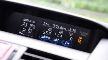 Subaru WRX STi 2014 - dials
