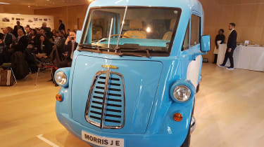 Morris JE - reveal front static