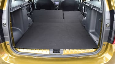 Dacia Duster - seats down