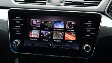 Skoda Superb Estate screen