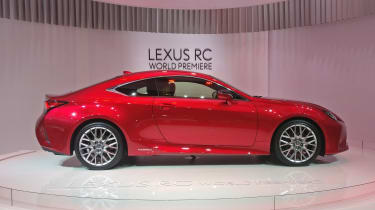 Lexus RC - Paris - Side