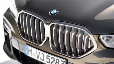 BMW X6 - grille