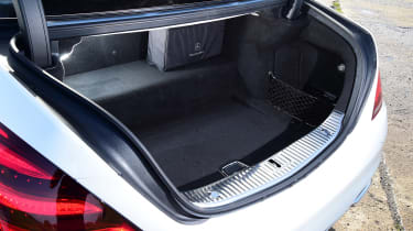 Mercedes S 560 e - boot