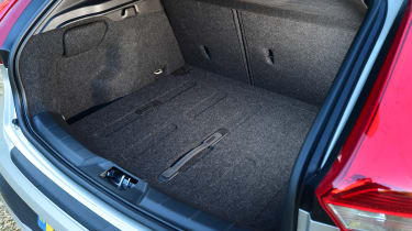 Volvo V40 Cross Country - boot