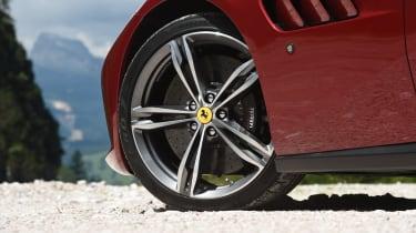 Ferrari GTC4 Lusso - wheel