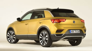 Volkswagen T-ROC - studio rear