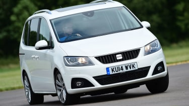 SEAT Alhambra - front cornering