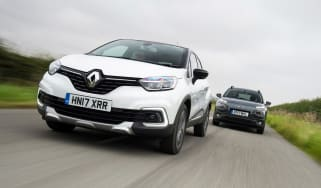 Renault Captur vs Citroen C4 Cactus - head-to-head