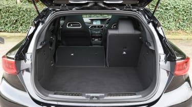 Infiniti Q30 Sport AWD 2016 - boot