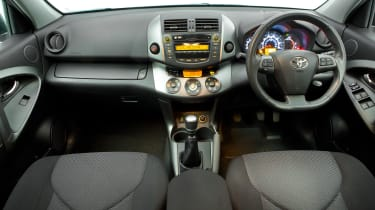 Used Toyota RAV4 - dash