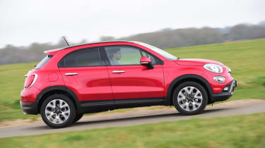 Used Fiat 500X - side action