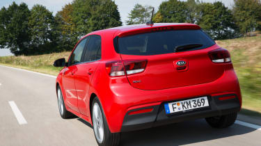 New Kia Rio - official rear tracking
