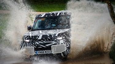 Land Rover Defender - off-road
