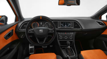 SEAT Leon Cross Sport - interior