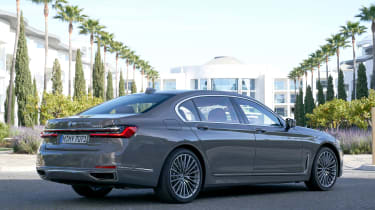 BMW 750i - rear static