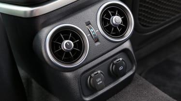 Kia Stinger - centre console