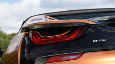 BMW i8 Roadster - rear light