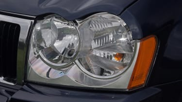 Used Jeep Grand Cherokee - front light