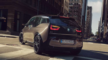 BMW i3 120Ah - rear cornering