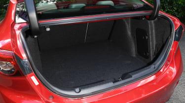 Mazda 3 Fastback - boot
