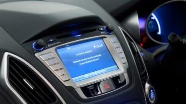 Hyundai ix35 used car guide 2013 console