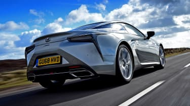 Lexus LC - rear tracking