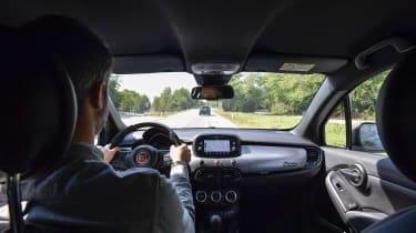 Fiat 500 X Sport - driving