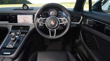 Porsche Panamera 4 E-Hybrid - dash