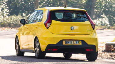 MG3 - rear cornering