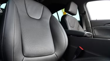 Vauxhall Insignia 1.5 diesel - seat detail