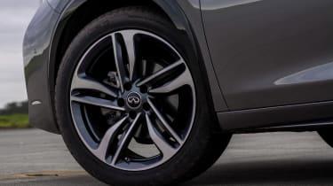 Infiniti Q30 - wheel detail