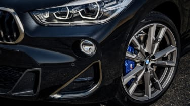 BMW X2 M35i - headlight