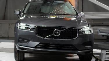 Volvo XC60 - Pole crash test