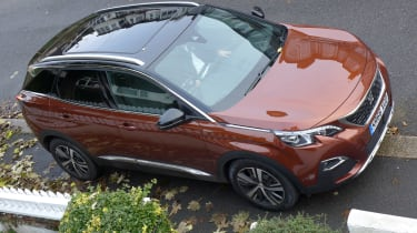 3008 minutes in a Peugeot 3008 - overhead