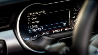 Ford Mustang EcoBoost Convertible - mode