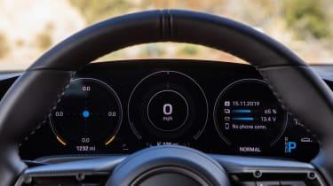 Porsche Taycan 4S - dials